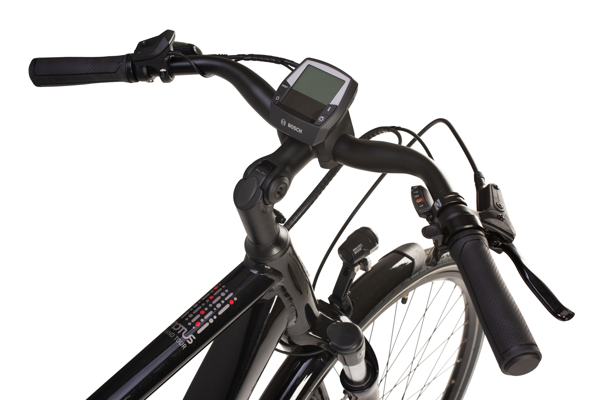 Handlebars and controller on the Raleigh Motus Grand Tour electric bike