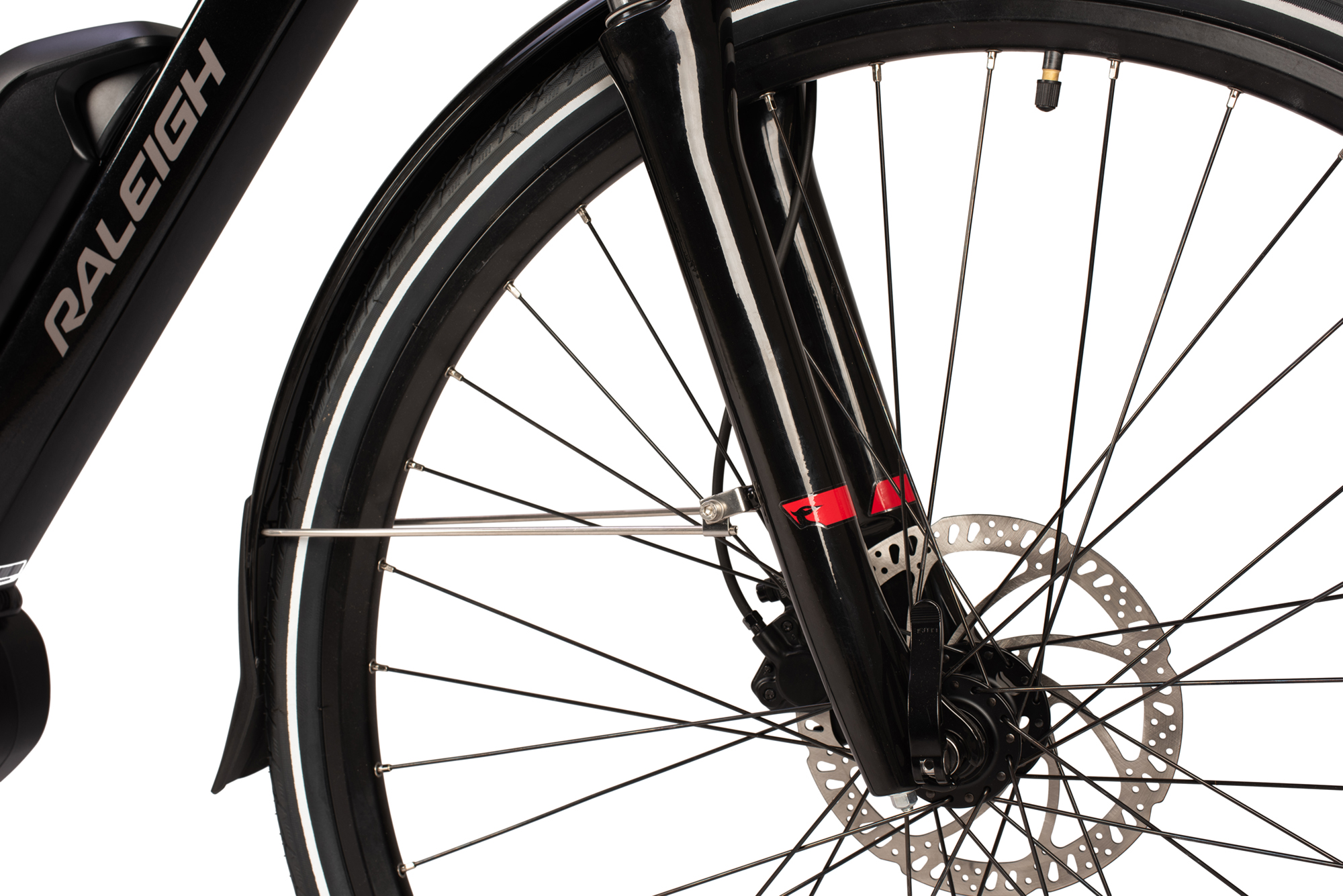 Disc brakes on the Raleigh Motus Grand Tour electric bike