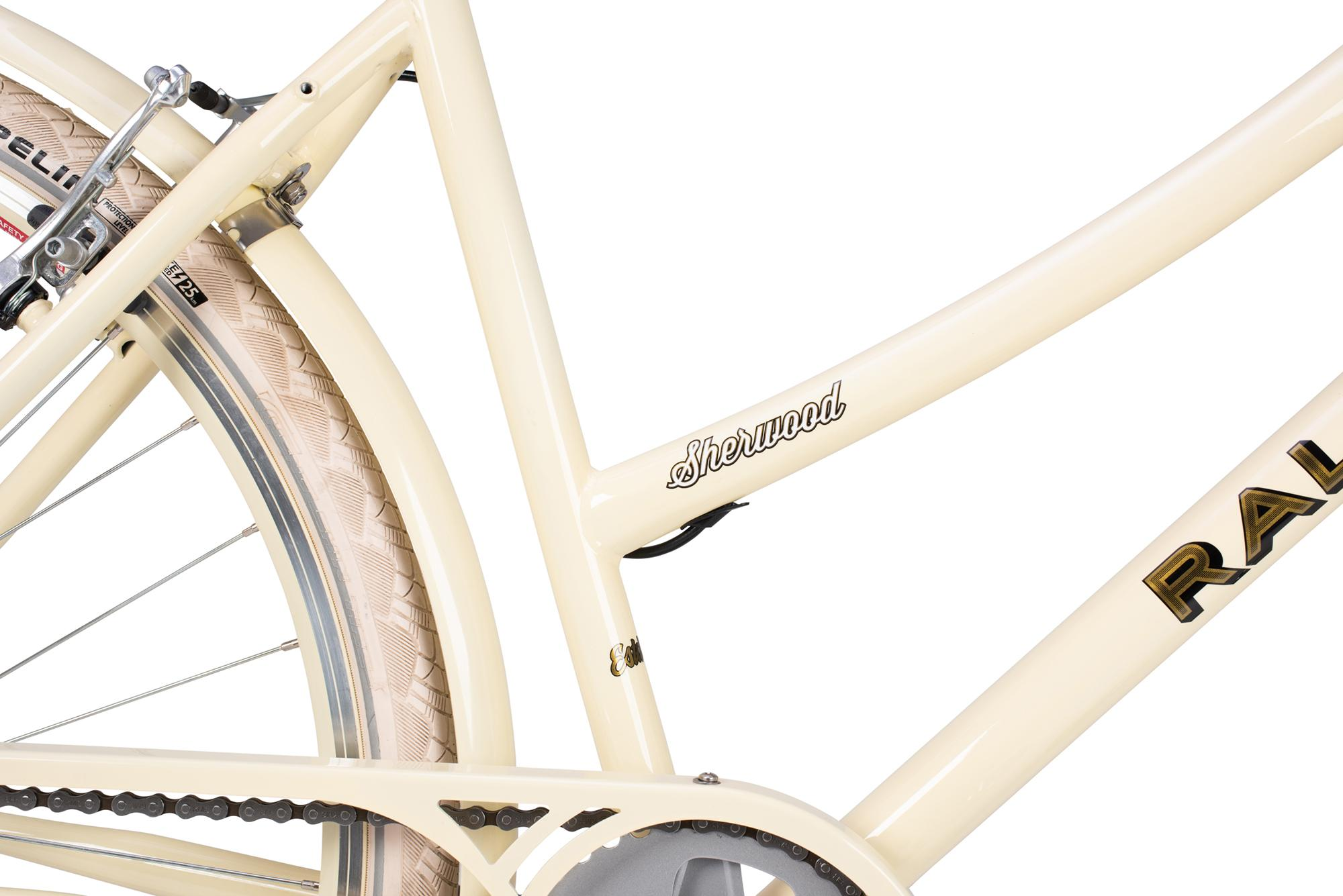 Chain guard on the Raleigh Sherwood classic ladies bike in milkshake colour