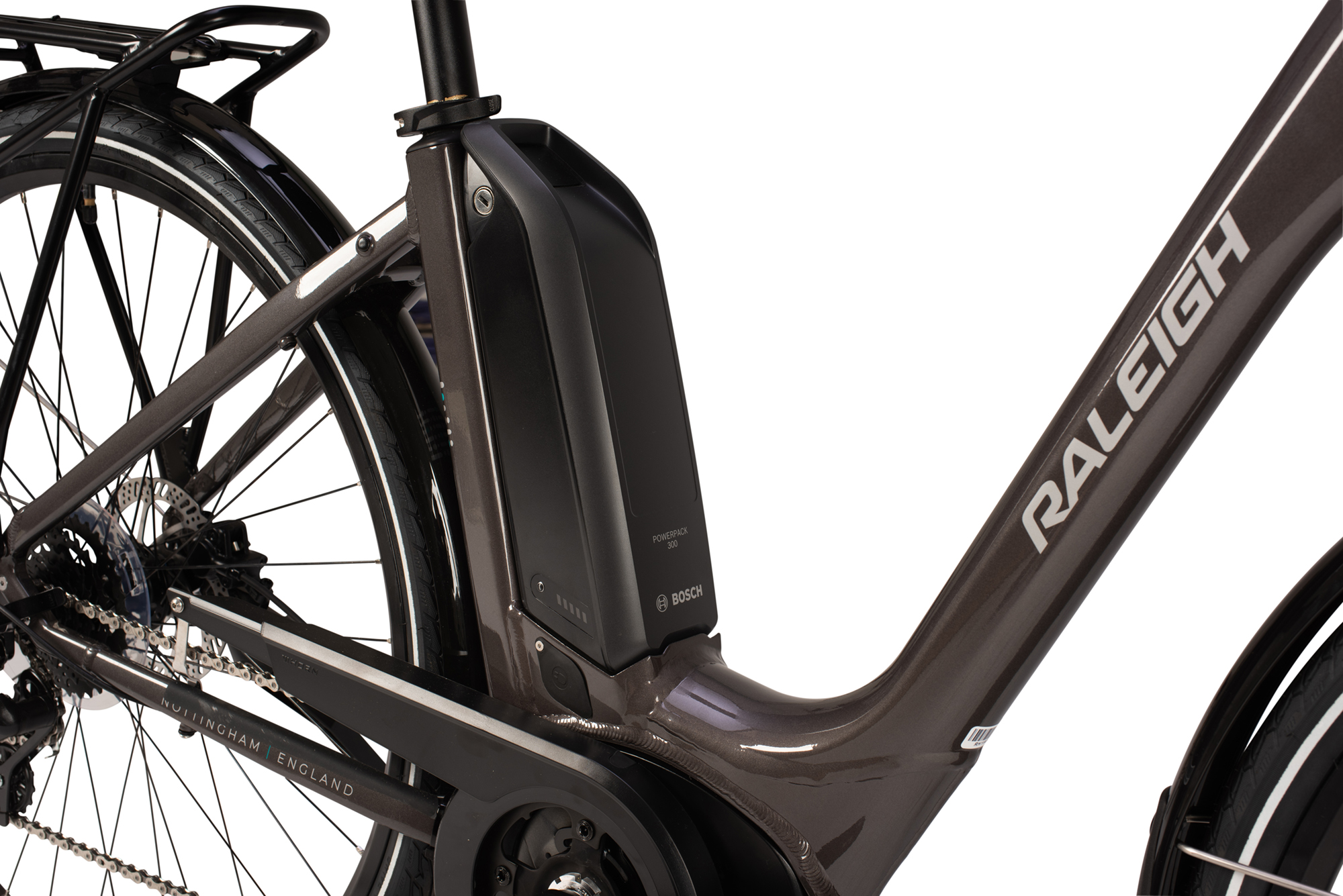 Low step frame on the Raleigh Motus electric bike in grey colour