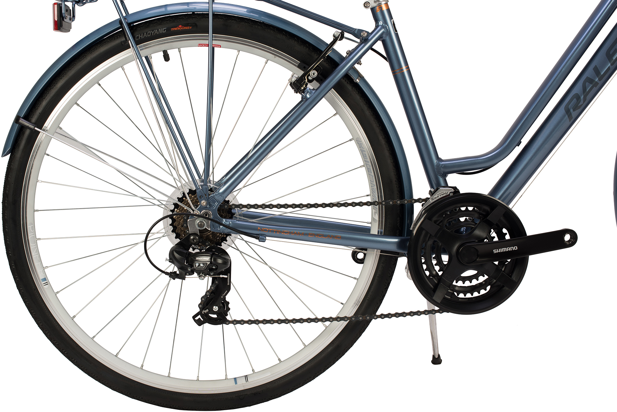 View of the crank and gears on the Raleigh Pioneer low step bike in grey